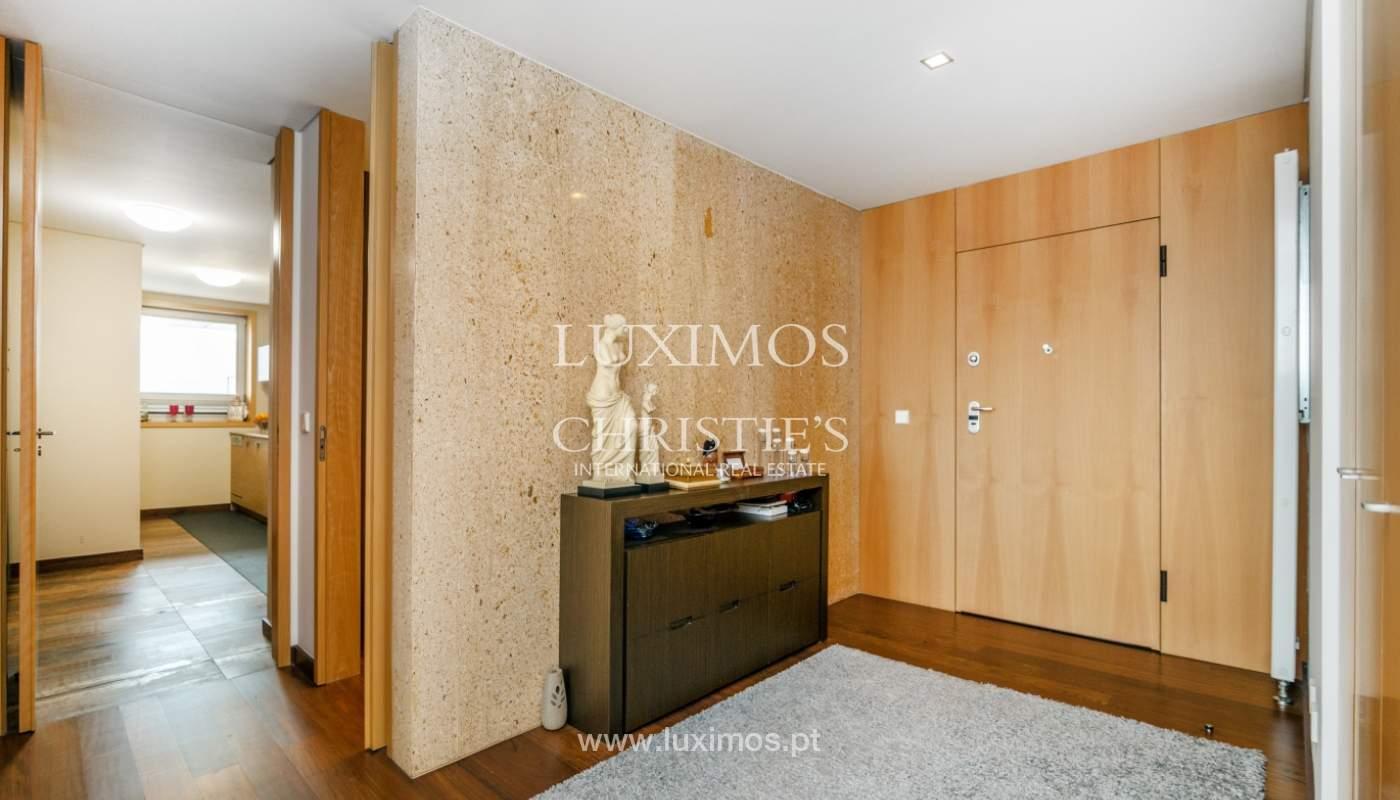 Fantastische Wohnung mit Flussblick in privater Eigentumswohnung, Porto, Portugal_131839