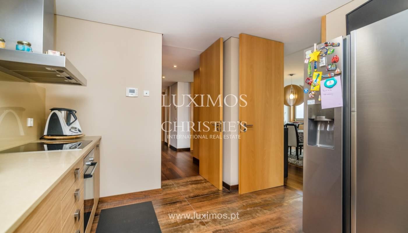 Fantastische Wohnung mit Flussblick in privater Eigentumswohnung, Porto, Portugal_131841