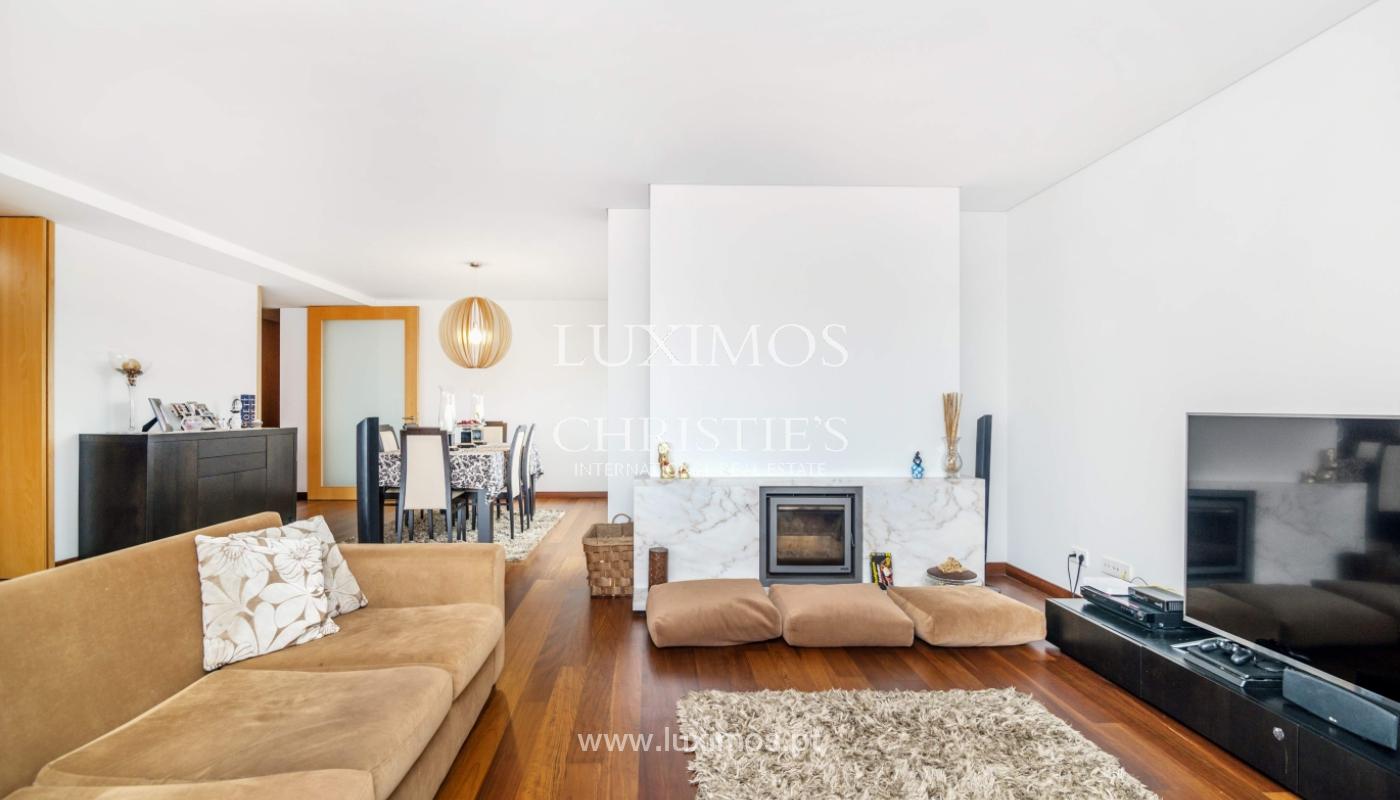 Fantastische Wohnung mit Flussblick in privater Eigentumswohnung, Porto, Portugal_131844