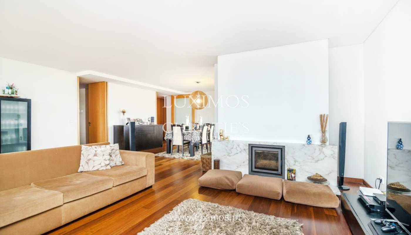 Fantastische Wohnung mit Flussblick in privater Eigentumswohnung, Porto, Portugal_131845