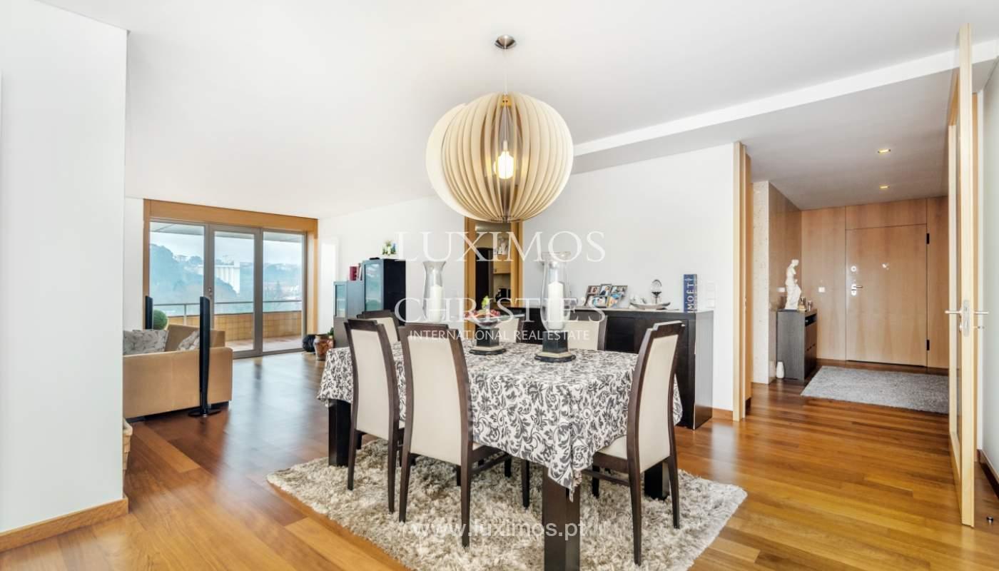 Fantastische Wohnung mit Flussblick in privater Eigentumswohnung, Porto, Portugal_131847