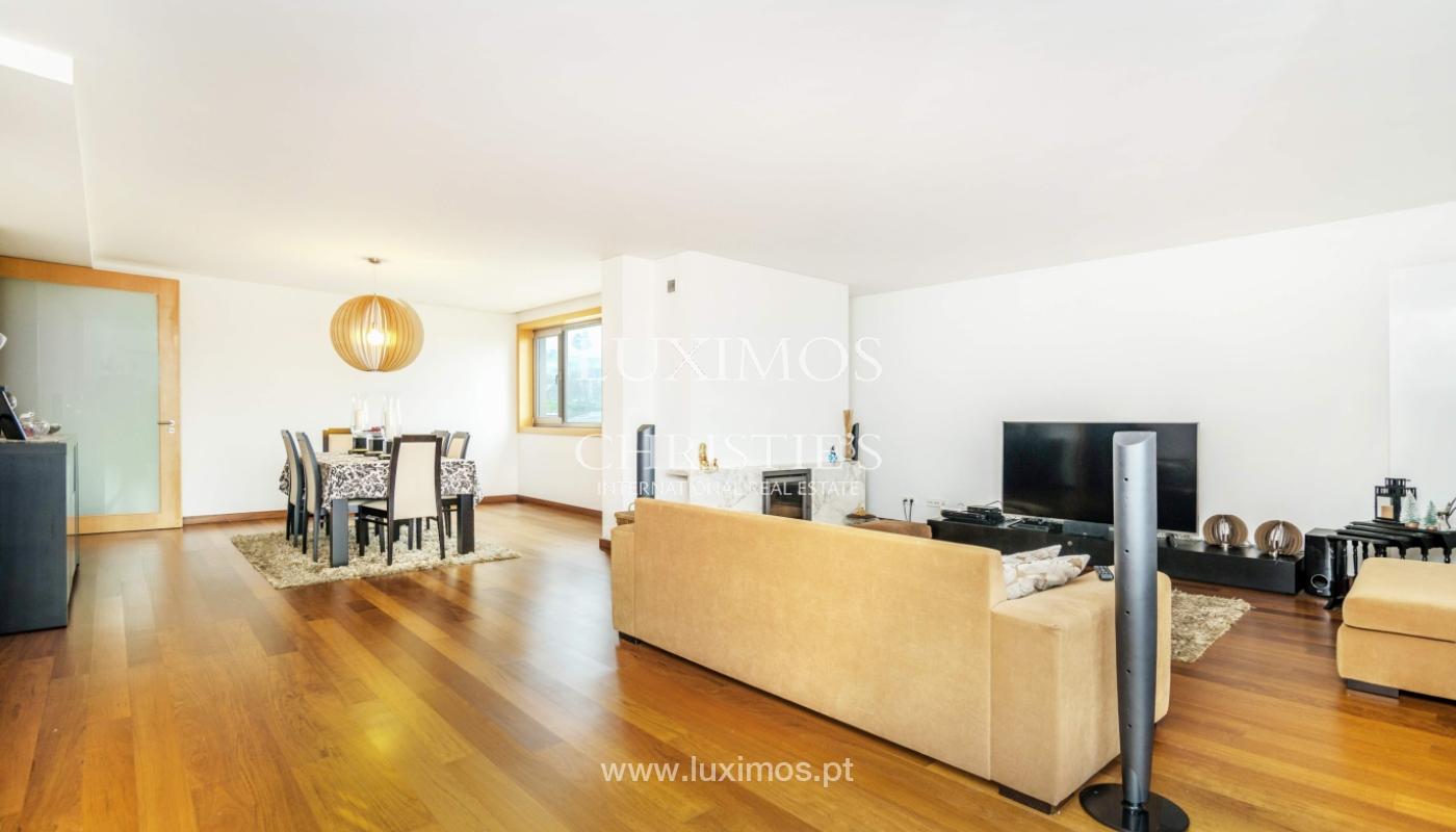 Fantastische Wohnung mit Flussblick in privater Eigentumswohnung, Porto, Portugal_131848