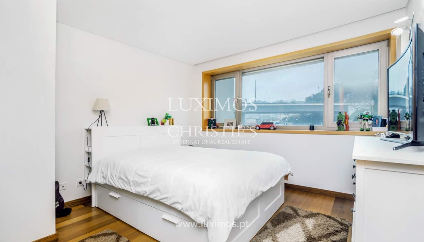 Fantastische Wohnung mit Flussblick in privater Eigentumswohnung, Porto, Portugal_131851