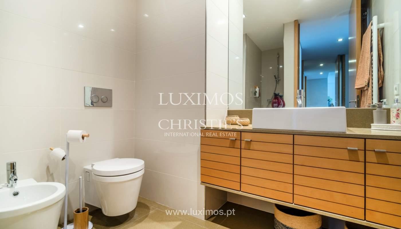 Fantastische Wohnung mit Flussblick in privater Eigentumswohnung, Porto, Portugal_131853