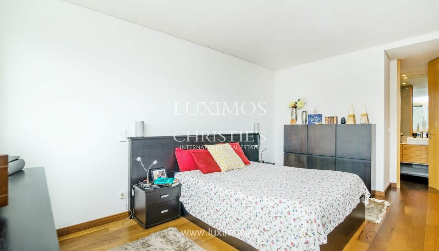 Fantastische Wohnung mit Flussblick in privater Eigentumswohnung, Porto, Portugal_131858