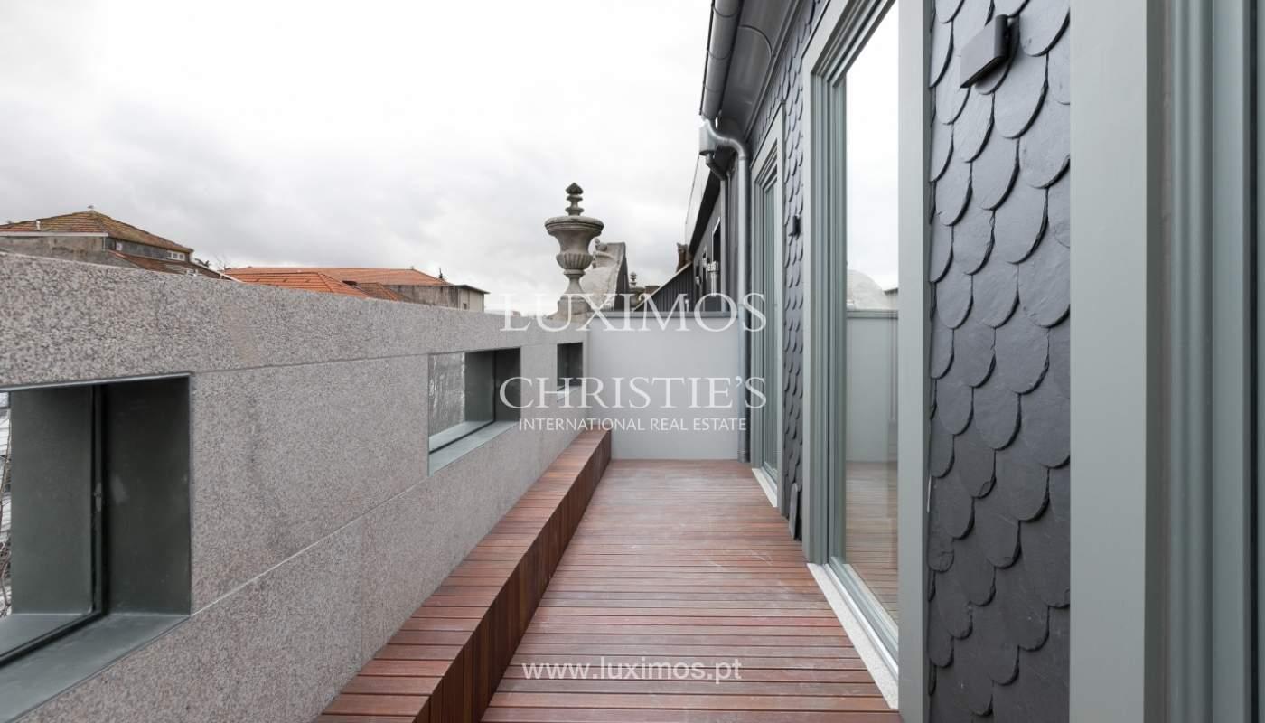Ático nuevo con terraza en alquiler, en el centro de Porto, Portugal_131874