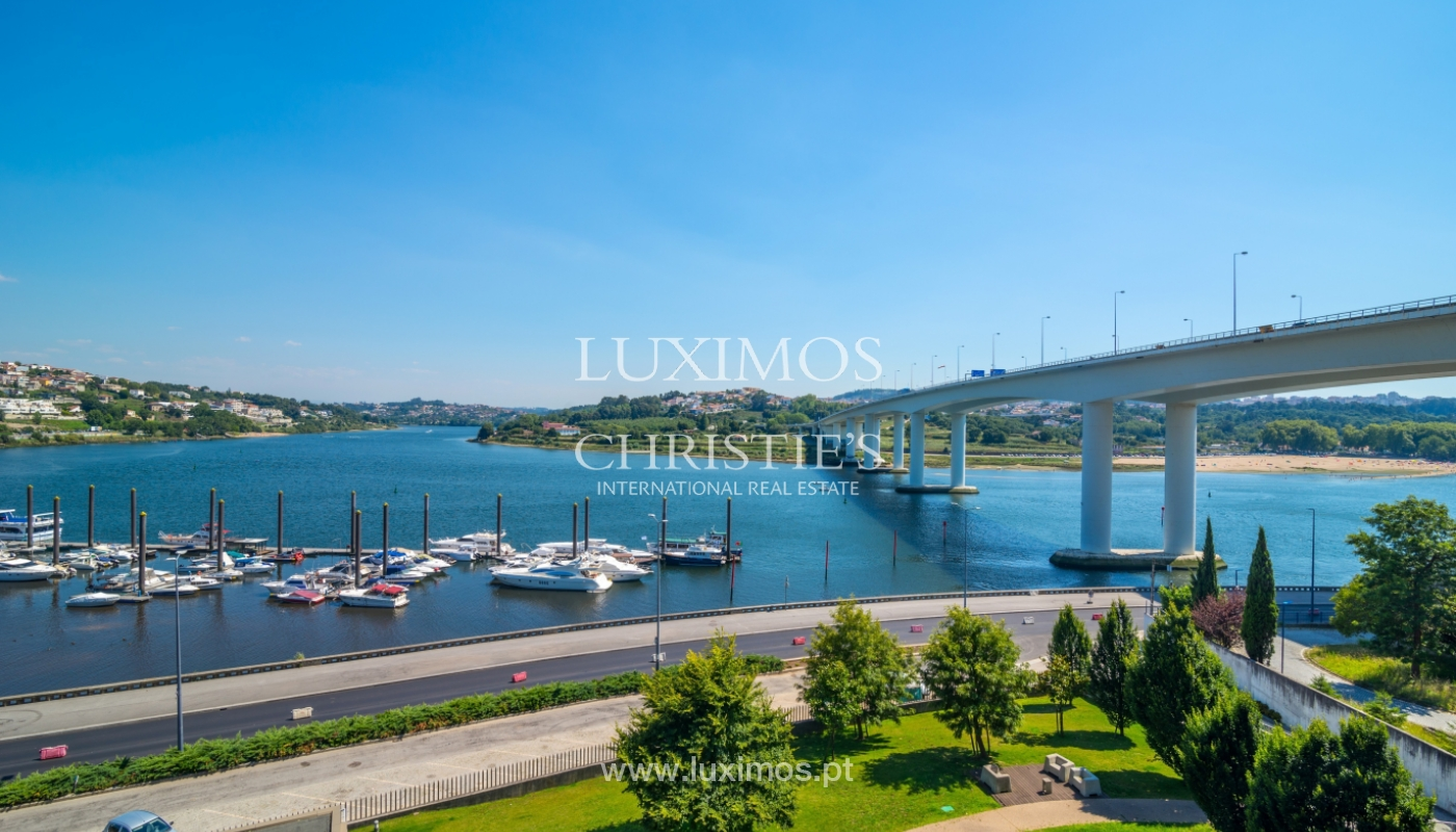 Fantastische Wohnung mit Flussblick in privater Eigentumswohnung, Porto, Portugal_131898
