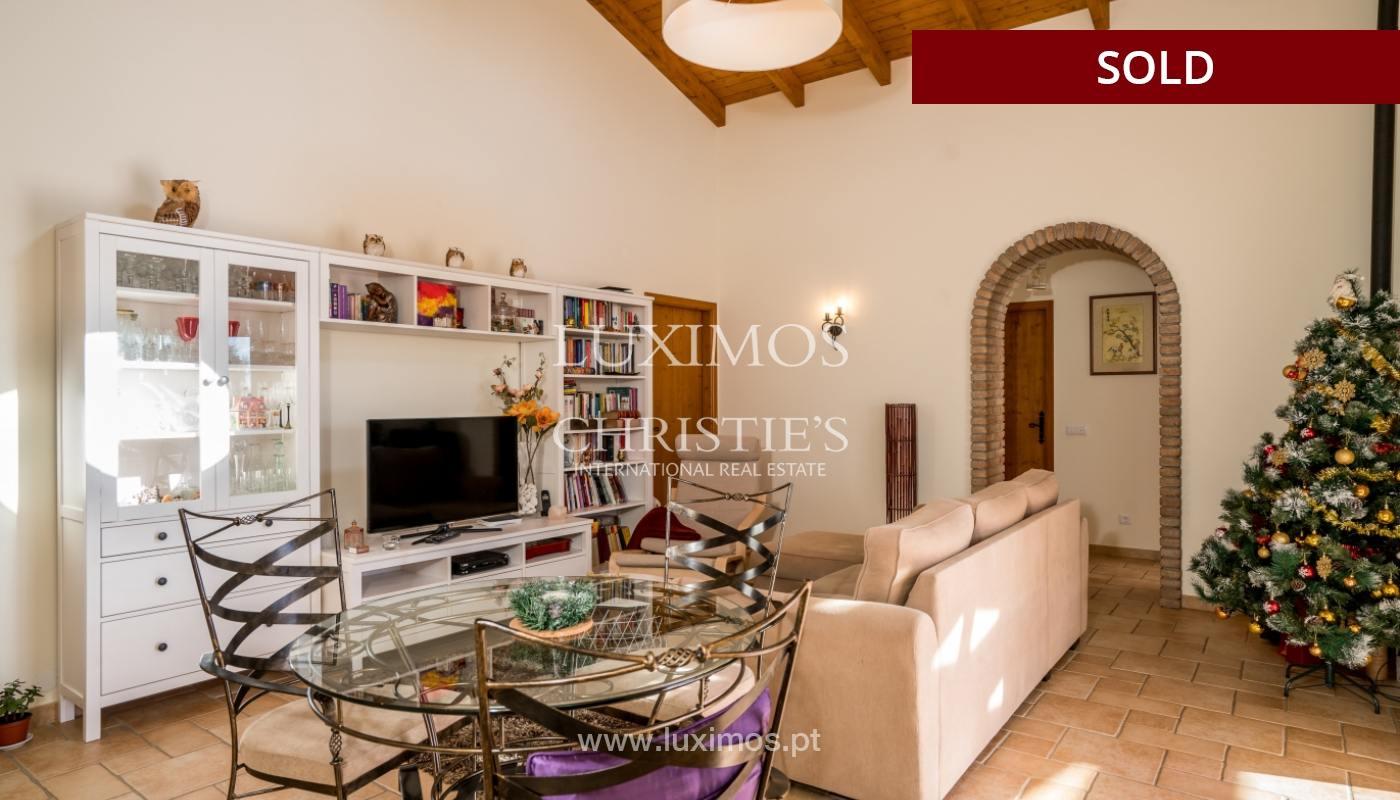 The sale of a house with a swimming pool in São Brás de Alportel, in the Algarve_132010