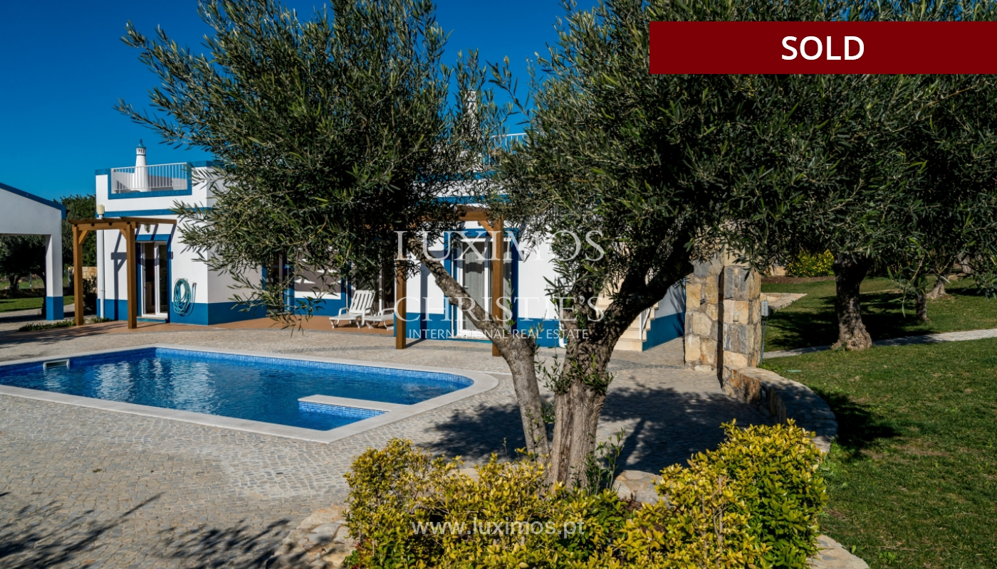The sale of a house with a swimming pool in São Brás de Alportel, in the Algarve_132023