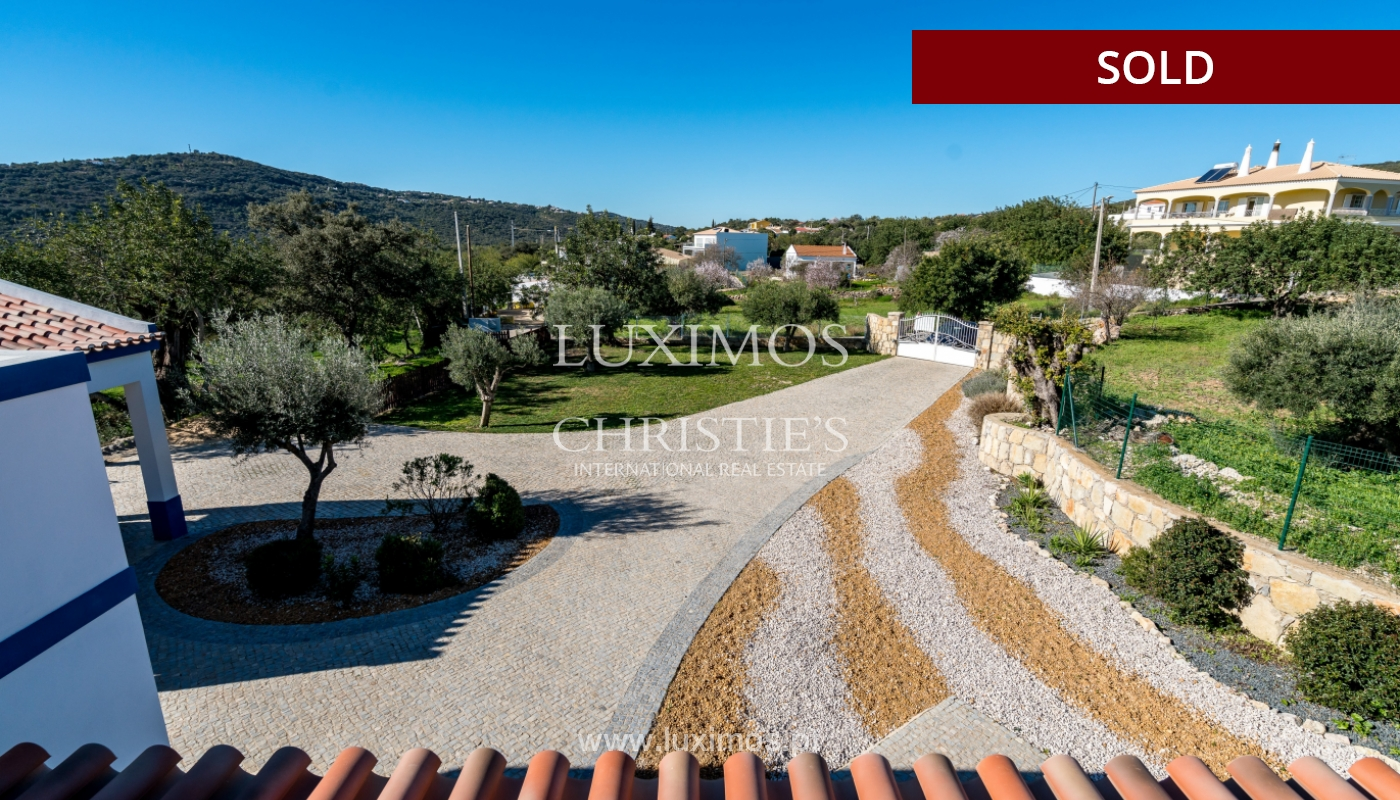 The sale of a house with a swimming pool in São Brás de Alportel, in the Algarve_132031