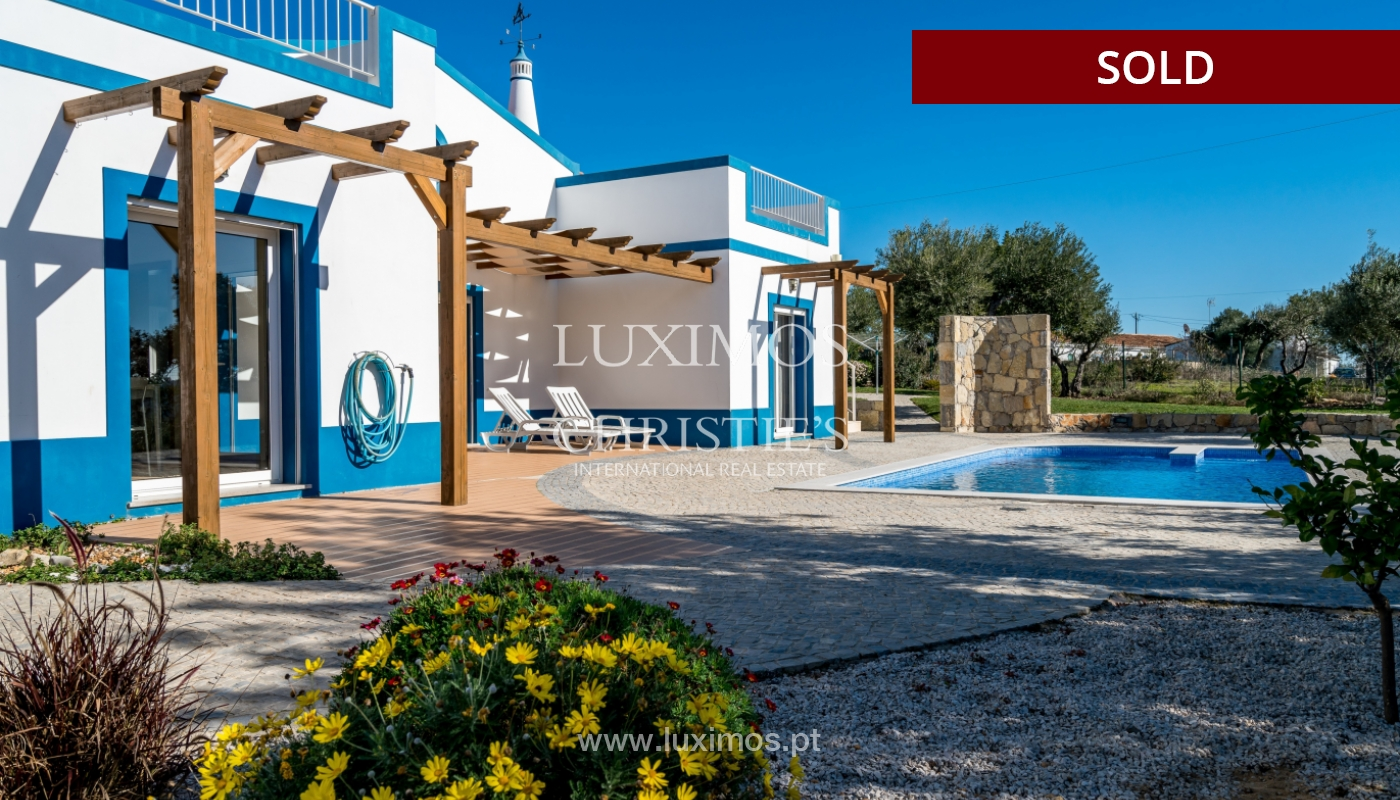 The sale of a house with a swimming pool in São Brás de Alportel, in the Algarve_132033
