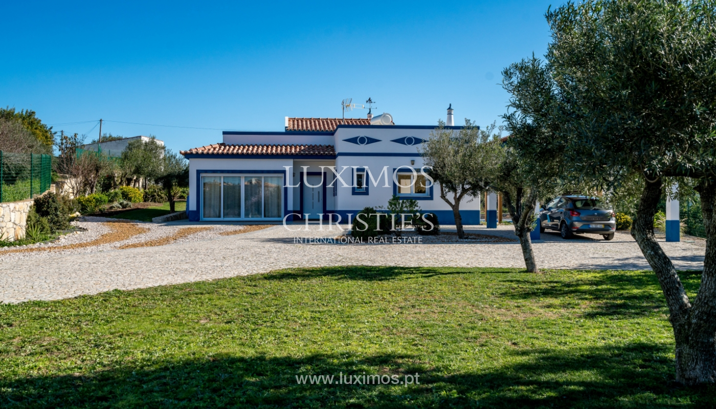 The sale of a house with a swimming pool in São Brás de Alportel, in the Algarve_132034