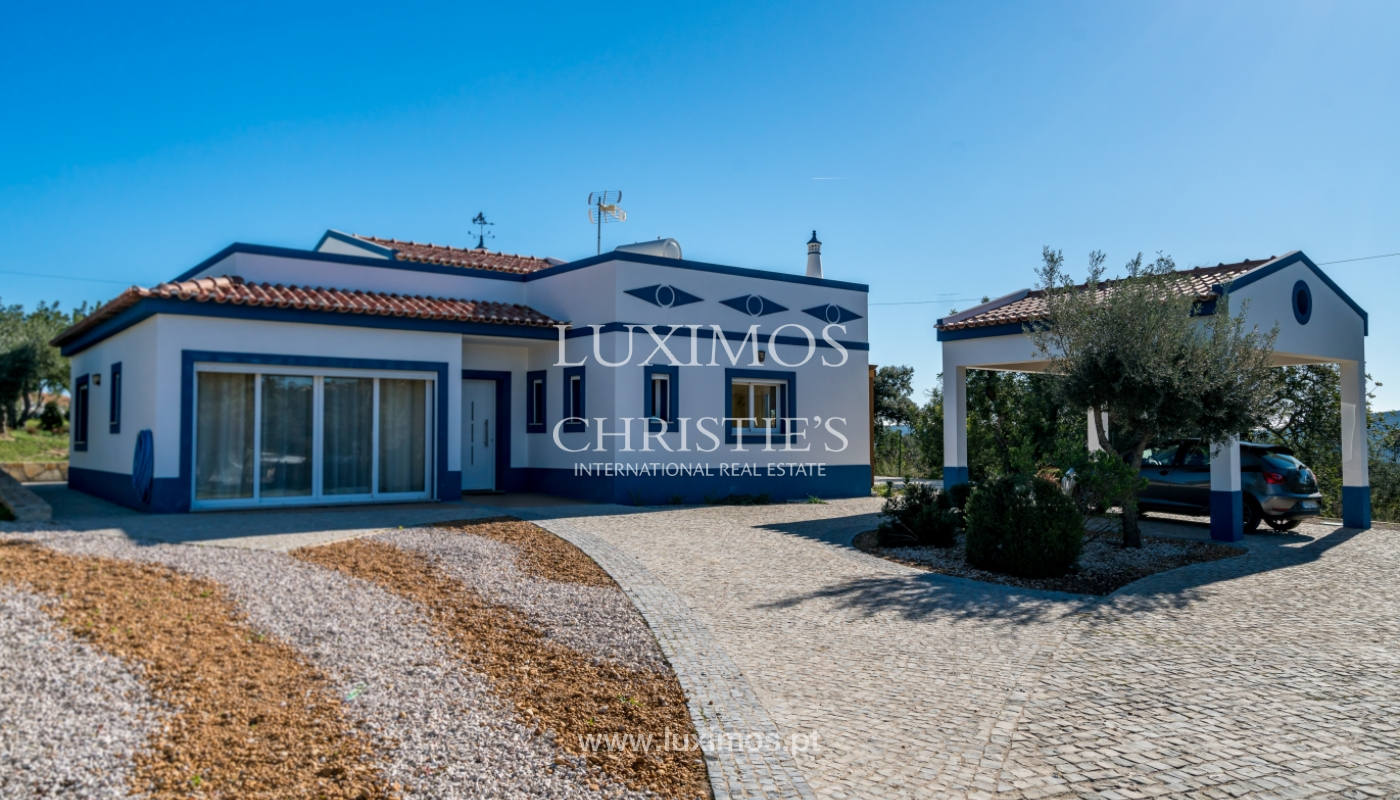 The sale of a house with a swimming pool in São Brás de Alportel, in the Algarve_132035