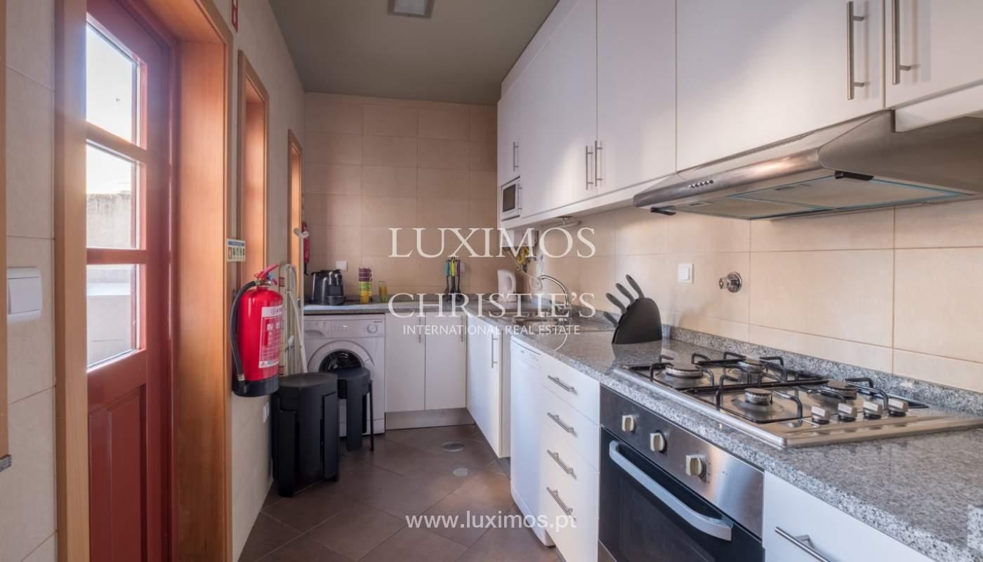 Edificio con 700m2 - 5 apartamentos y tienda en el centro de Oporto, Portugal_132049