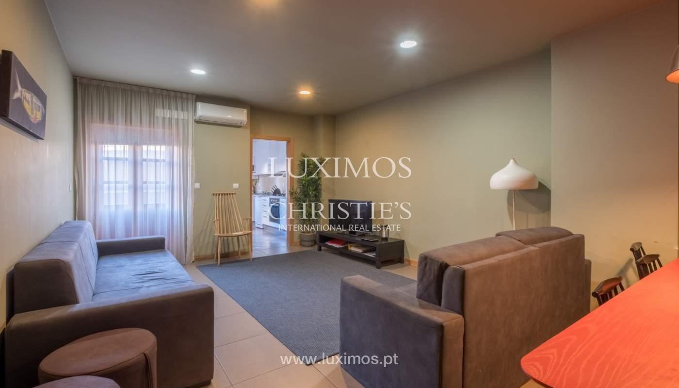 Edificio con 700m2 - 5 apartamentos y tienda en el centro de Oporto, Portugal_132050