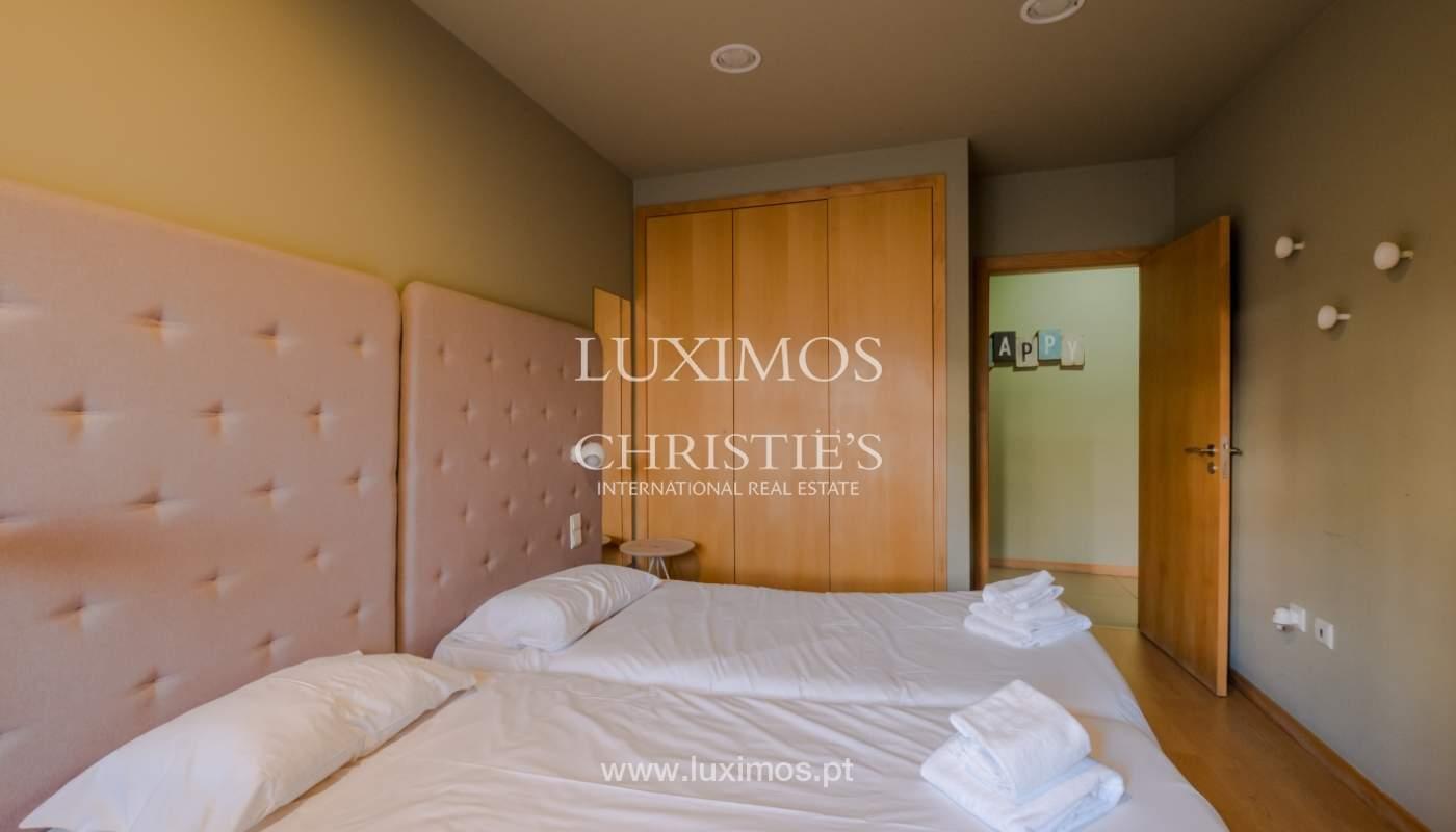 Edificio con 700m2 - 5 apartamentos y tienda en el centro de Oporto, Portugal_132054