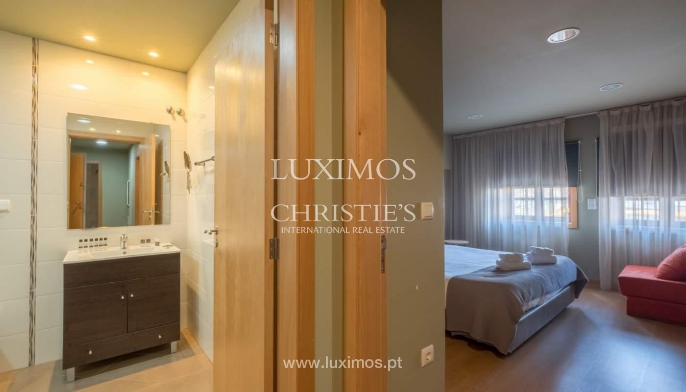 Edificio con 700m2 - 5 apartamentos y tienda en el centro de Oporto, Portugal_132064