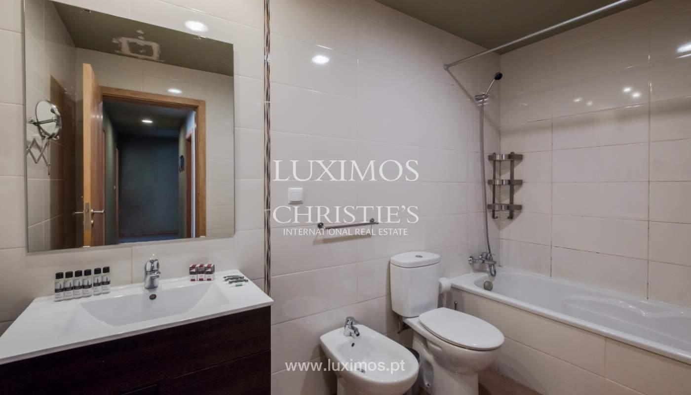 Edificio con 700m2 - 5 apartamentos y tienda en el centro de Oporto, Portugal_132070