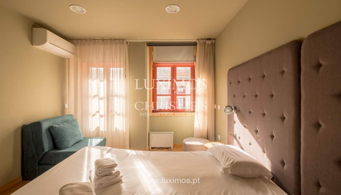 Edificio con 700m2 - 5 apartamentos y tienda en el centro de Oporto, Portugal_132074