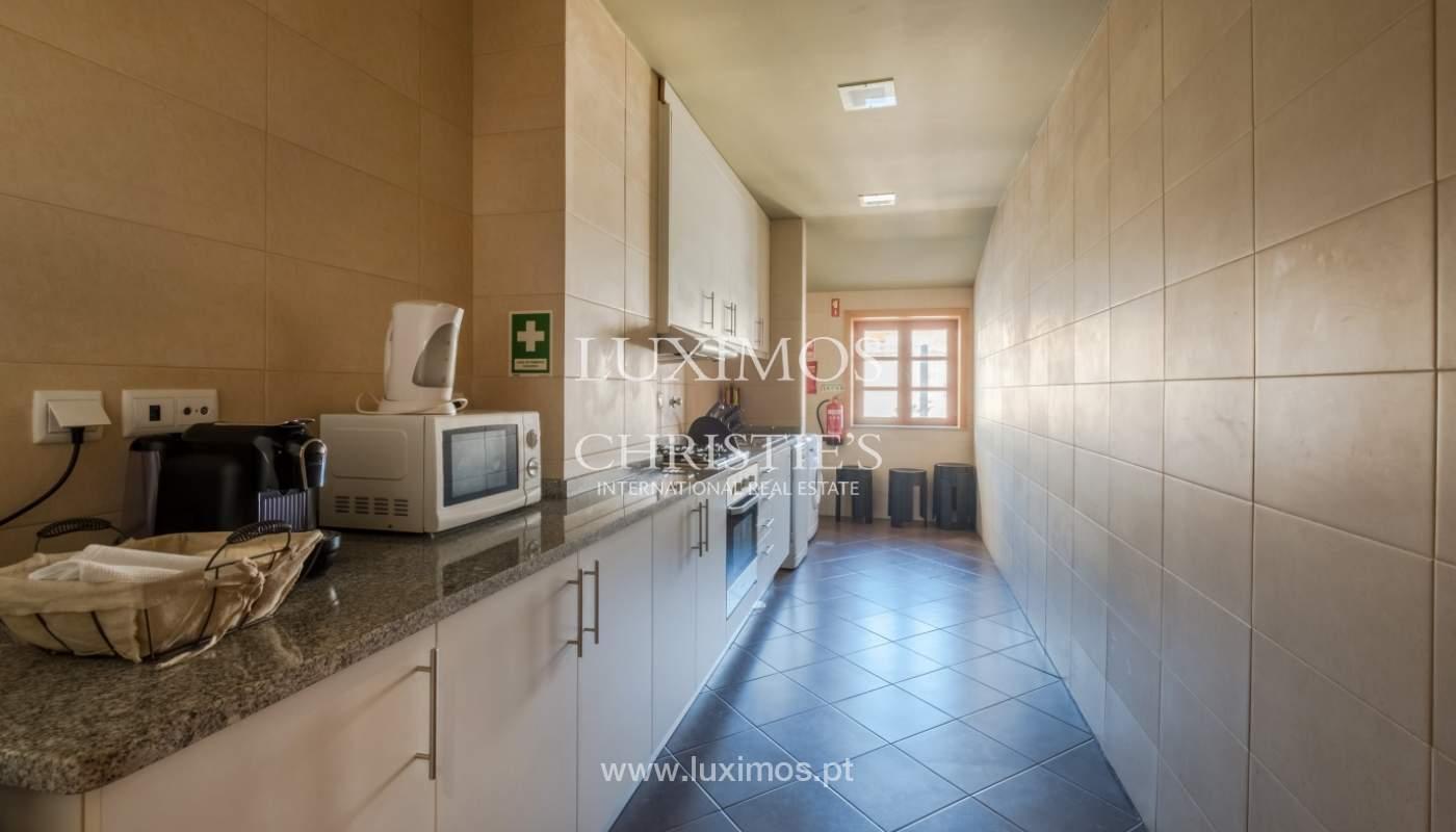Edificio con 700m2 - 5 apartamentos y tienda en el centro de Oporto, Portugal_132083