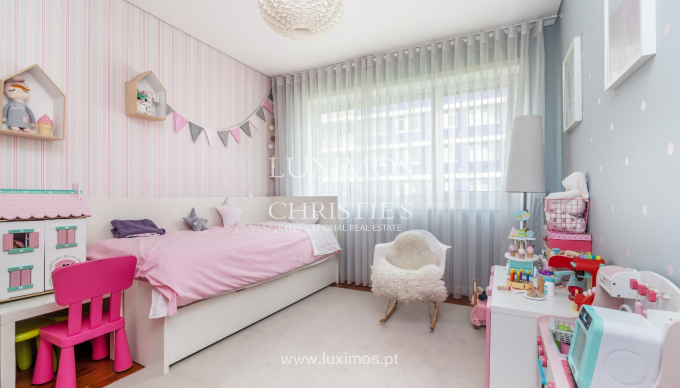 Sale of apartment, with sea view, in Matosinhos, Portugal_132090