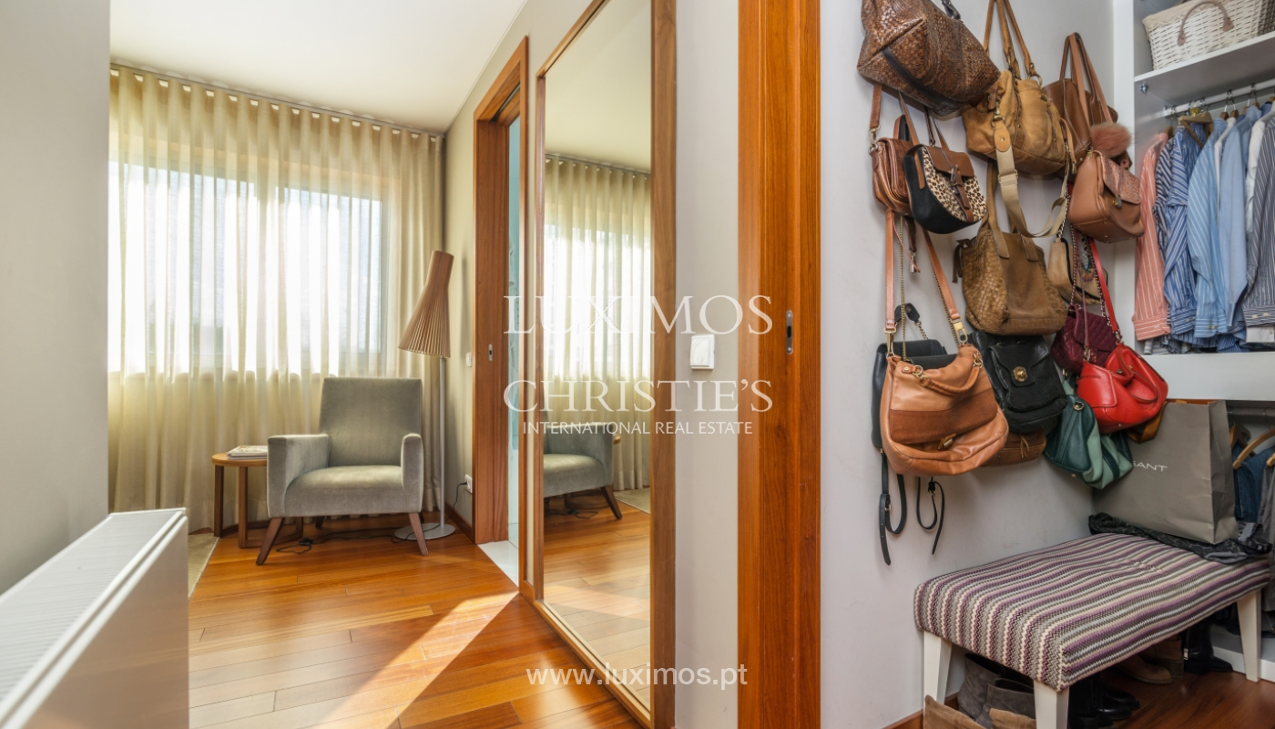 Sale of apartment, with sea view, in Matosinhos, Portugal_132095