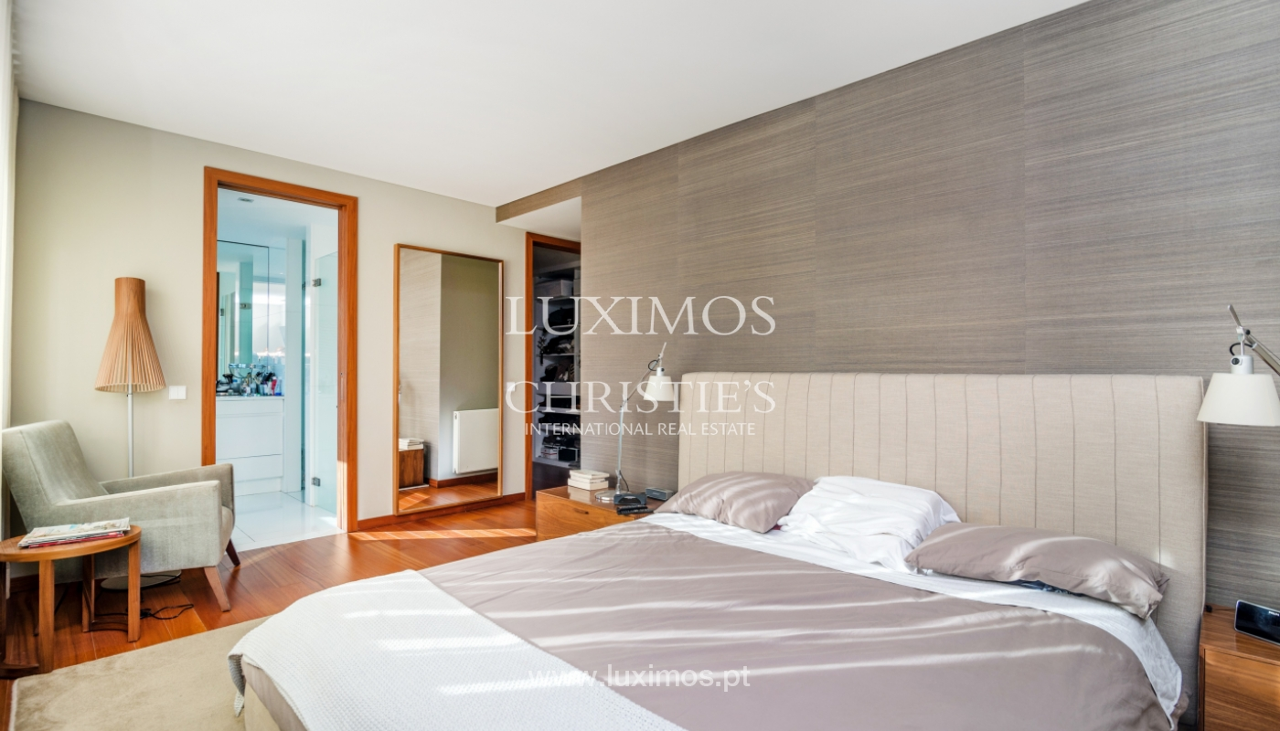Sale of apartment, with sea view, in Matosinhos, Portugal_132097