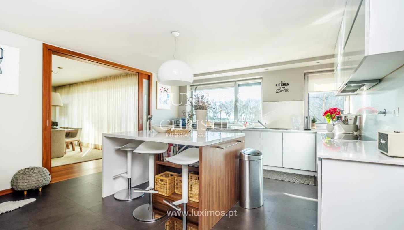 Verkauf einer Wohnung mit Meerblick in Matosinhos, Portugal_132100