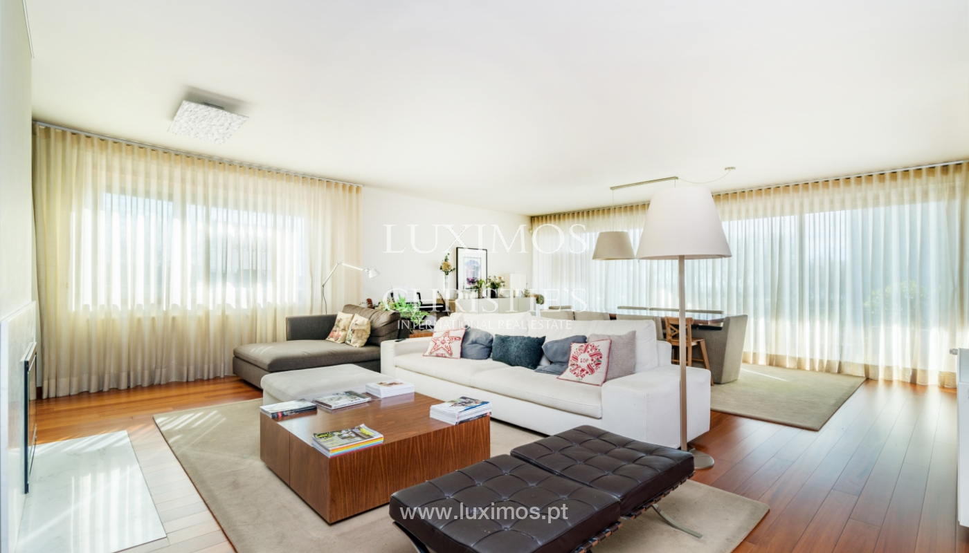 Sale of apartment, with sea view, in Matosinhos, Portugal_132104