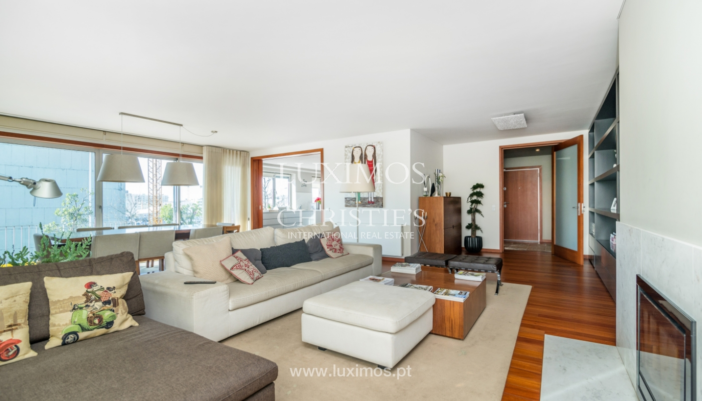 Sale of apartment, with sea view, in Matosinhos, Portugal_132105