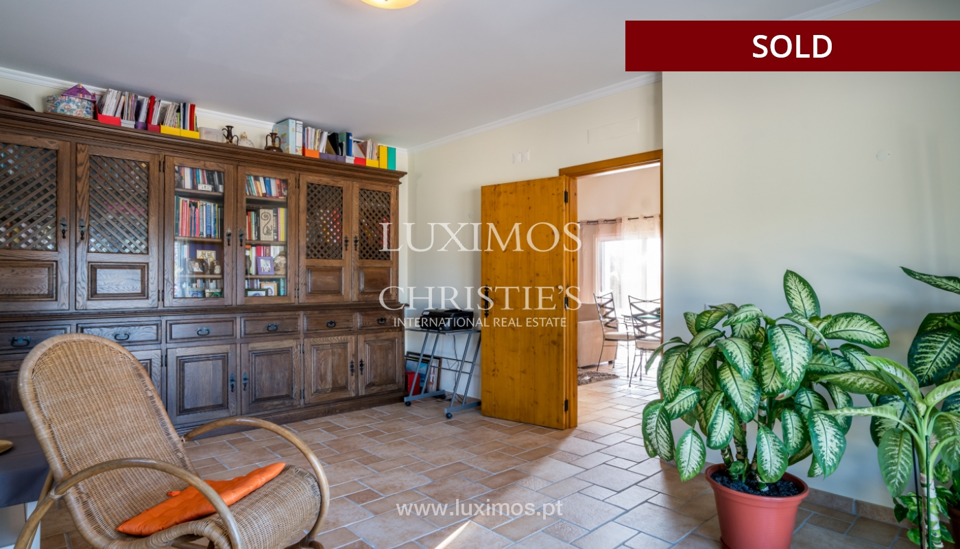 The sale of a house with a swimming pool in São Brás de Alportel, in the Algarve_132173