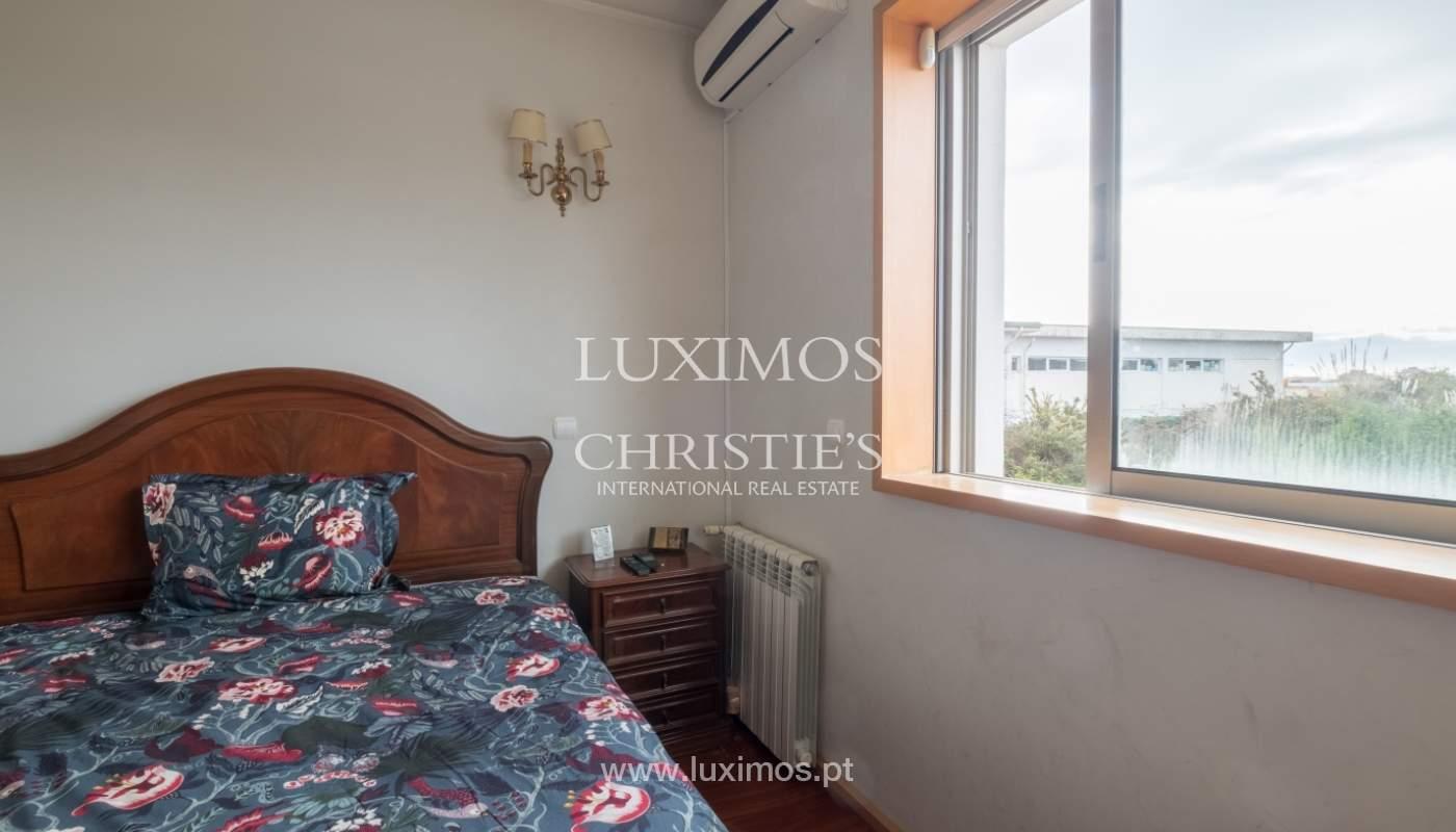 Verkauf einer Villa mit Terrasse in Vilarinha, Porto, Portugal_132332