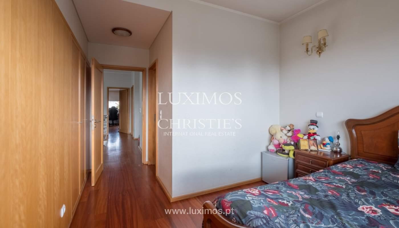 Verkauf einer Villa mit Terrasse in Vilarinha, Porto, Portugal_132333
