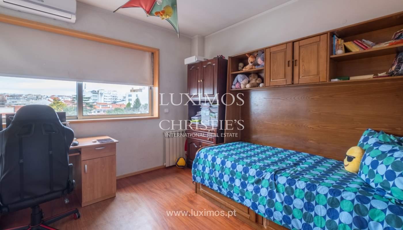 Verkauf einer Villa mit Terrasse in Vilarinha, Porto, Portugal_132336