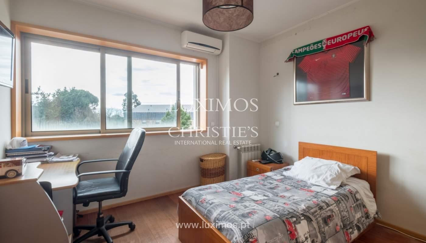 Verkauf einer Villa mit Terrasse in Vilarinha, Porto, Portugal_132340