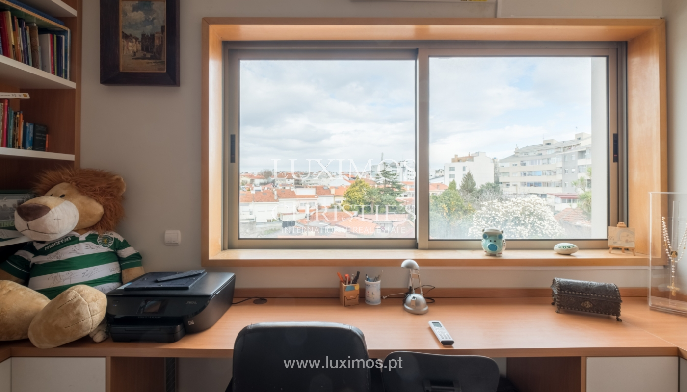 Verkauf einer Villa mit Terrasse in Vilarinha, Porto, Portugal_132347