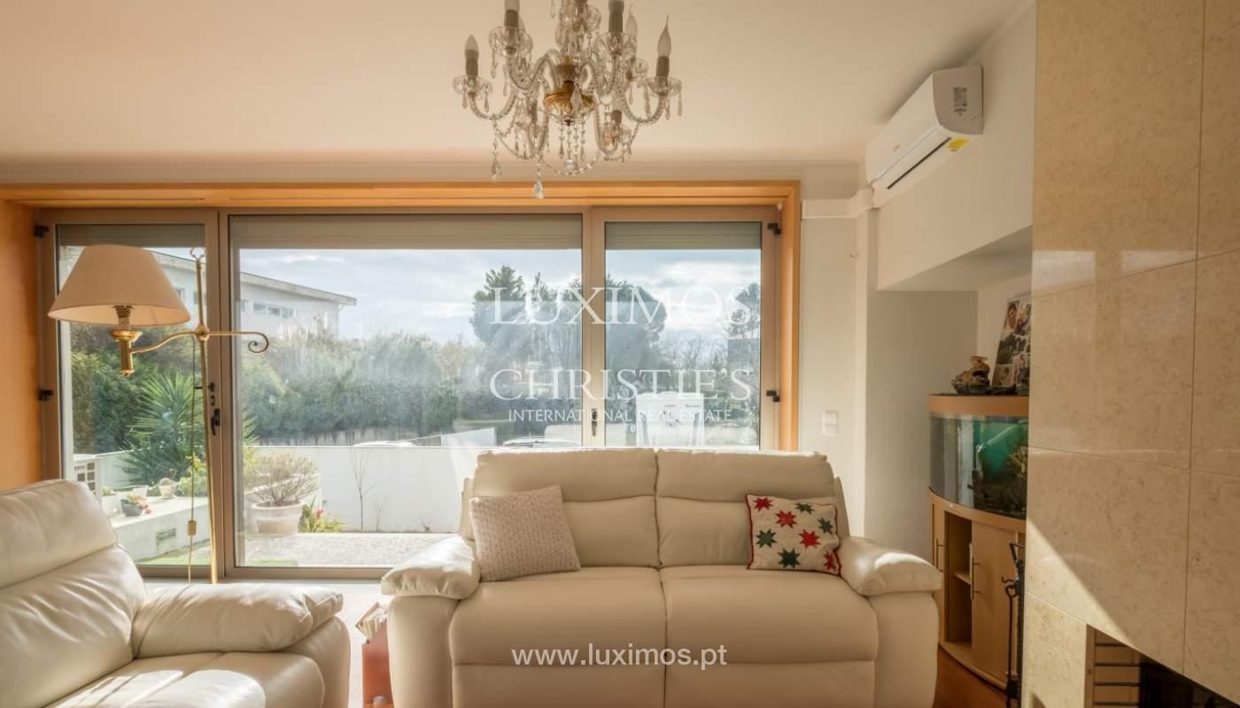 Verkauf einer Villa mit Terrasse in Vilarinha, Porto, Portugal_132359
