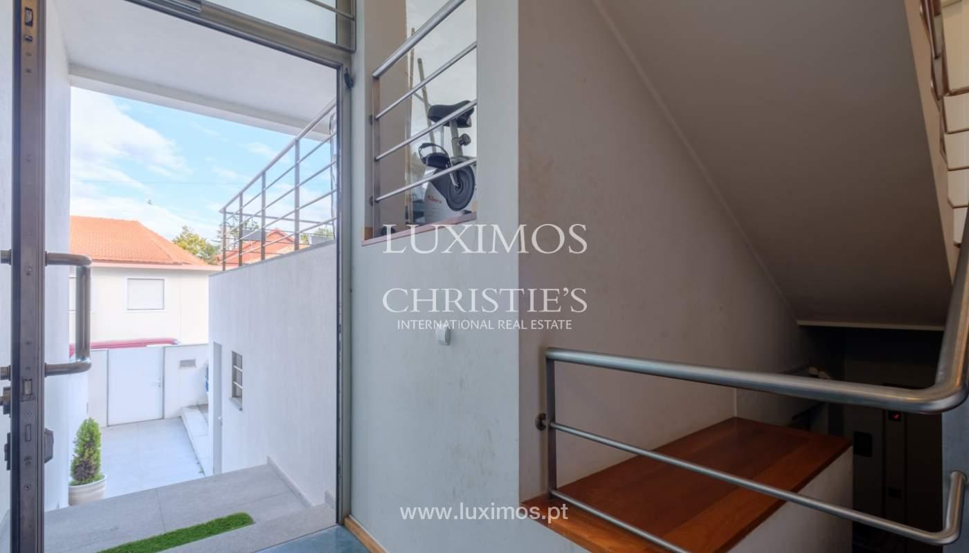 Verkauf einer Villa mit Terrasse in Vilarinha, Porto, Portugal_132377