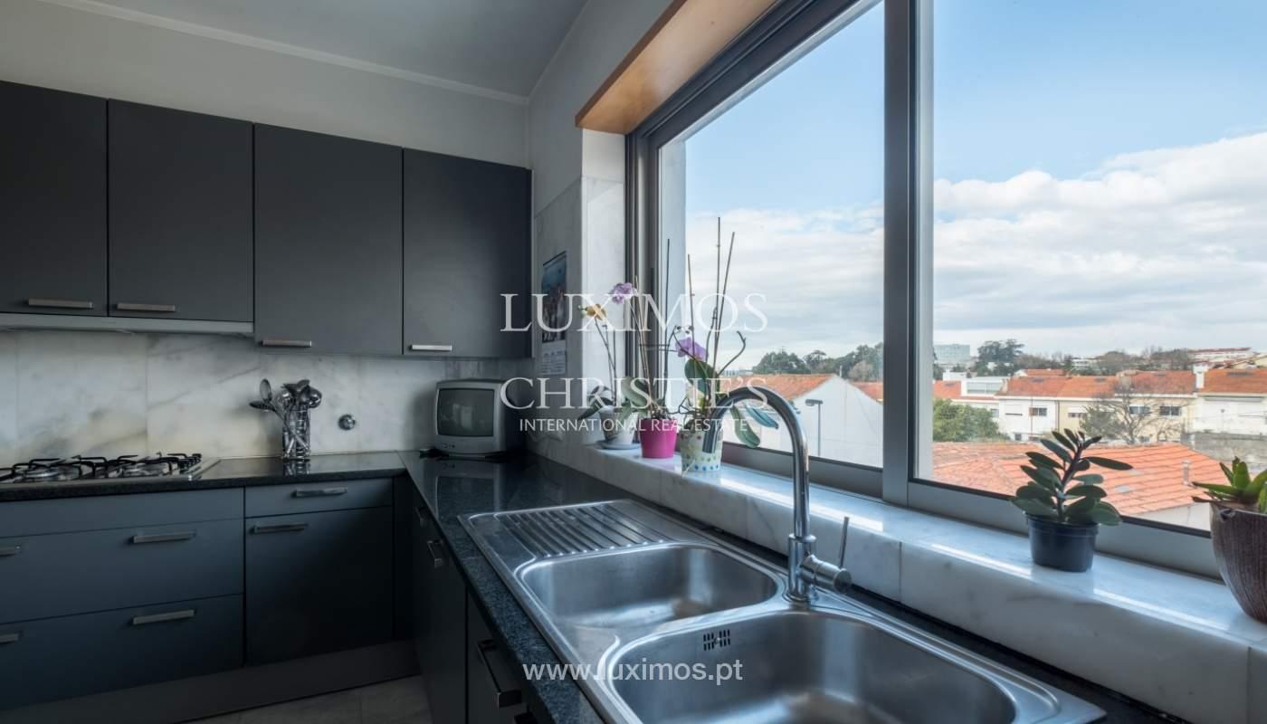 Verkauf einer Villa mit Terrasse in Vilarinha, Porto, Portugal_132385