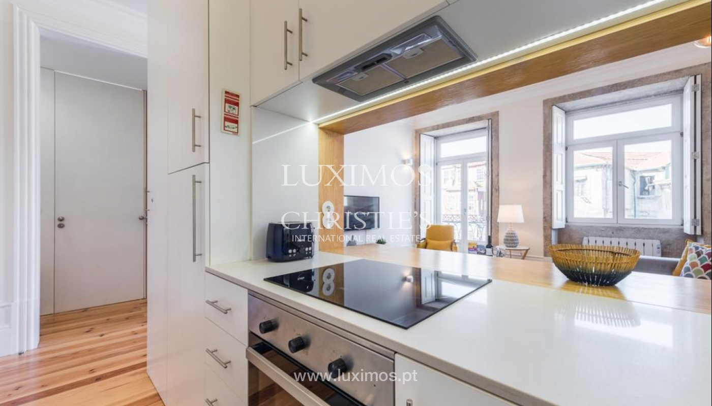 Sale of apartment, near the Cathedral of Porto, Portugal_132464