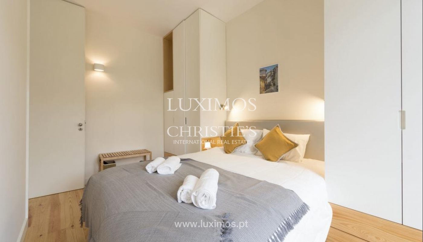 Sale of apartment, near the Cathedral of Porto, Portugal_132473