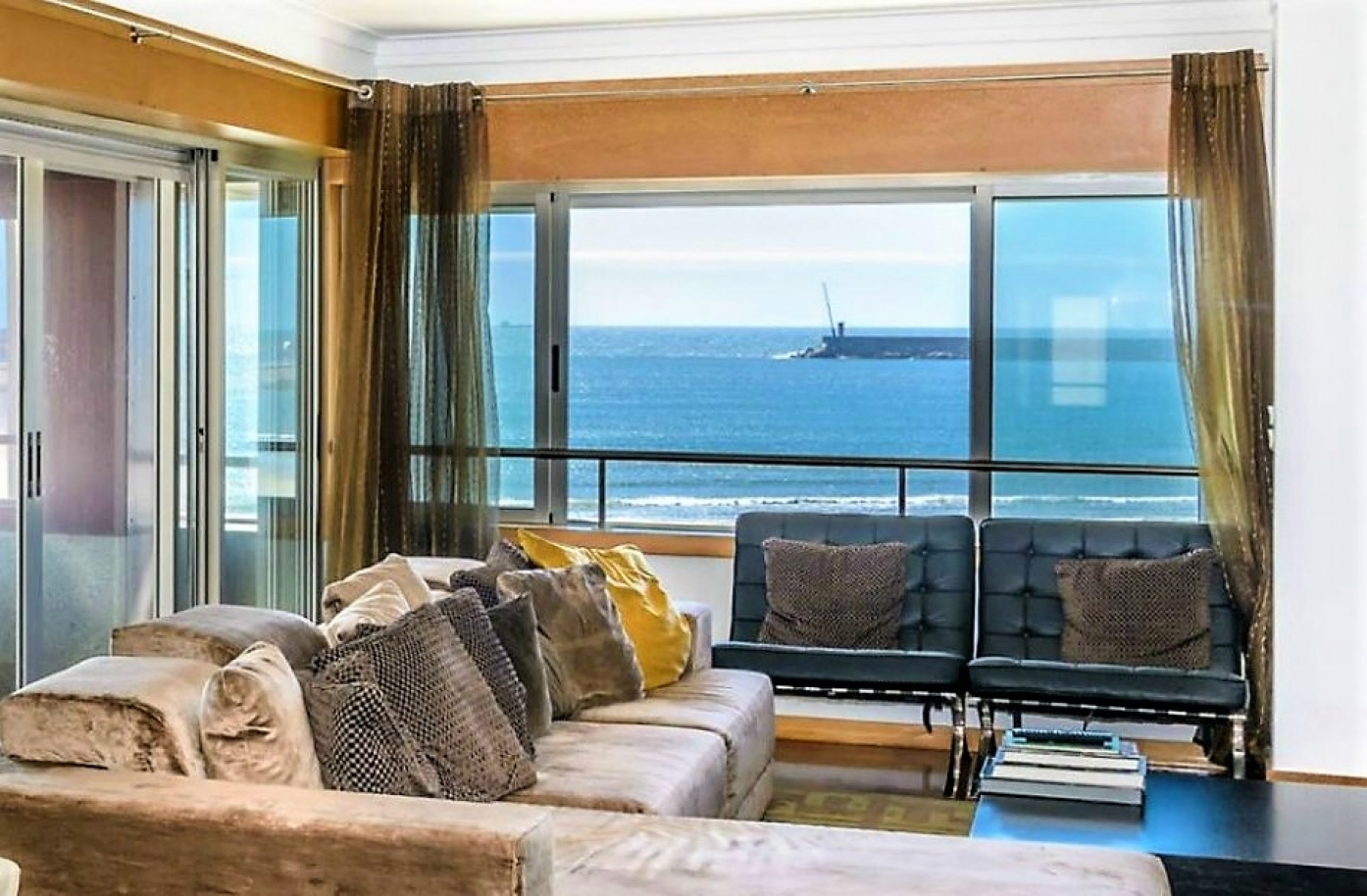 apartment-with-sea-front-and-ocean-views-matosinhos-porto-portugal