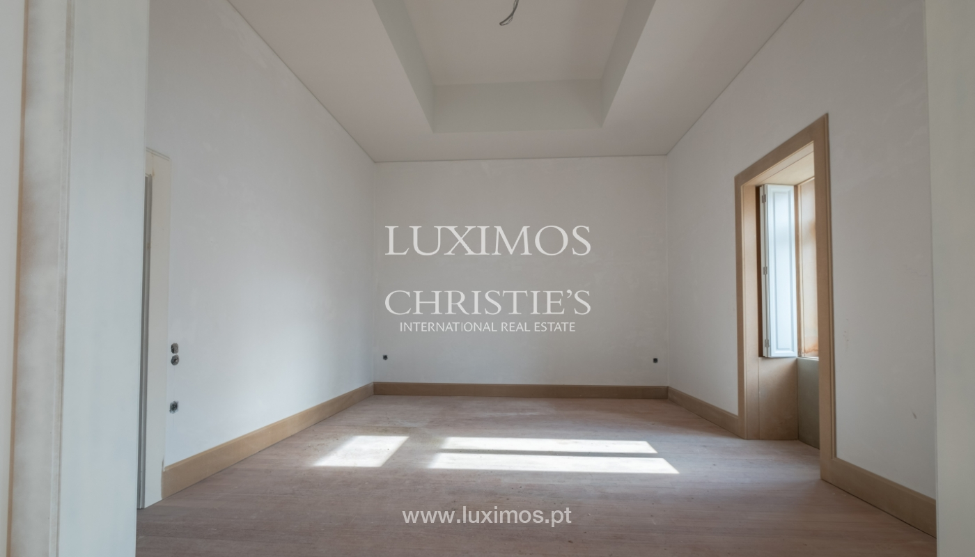 Apartamento novo e moderno, em condomínio fechado de luxo, Porto_132860