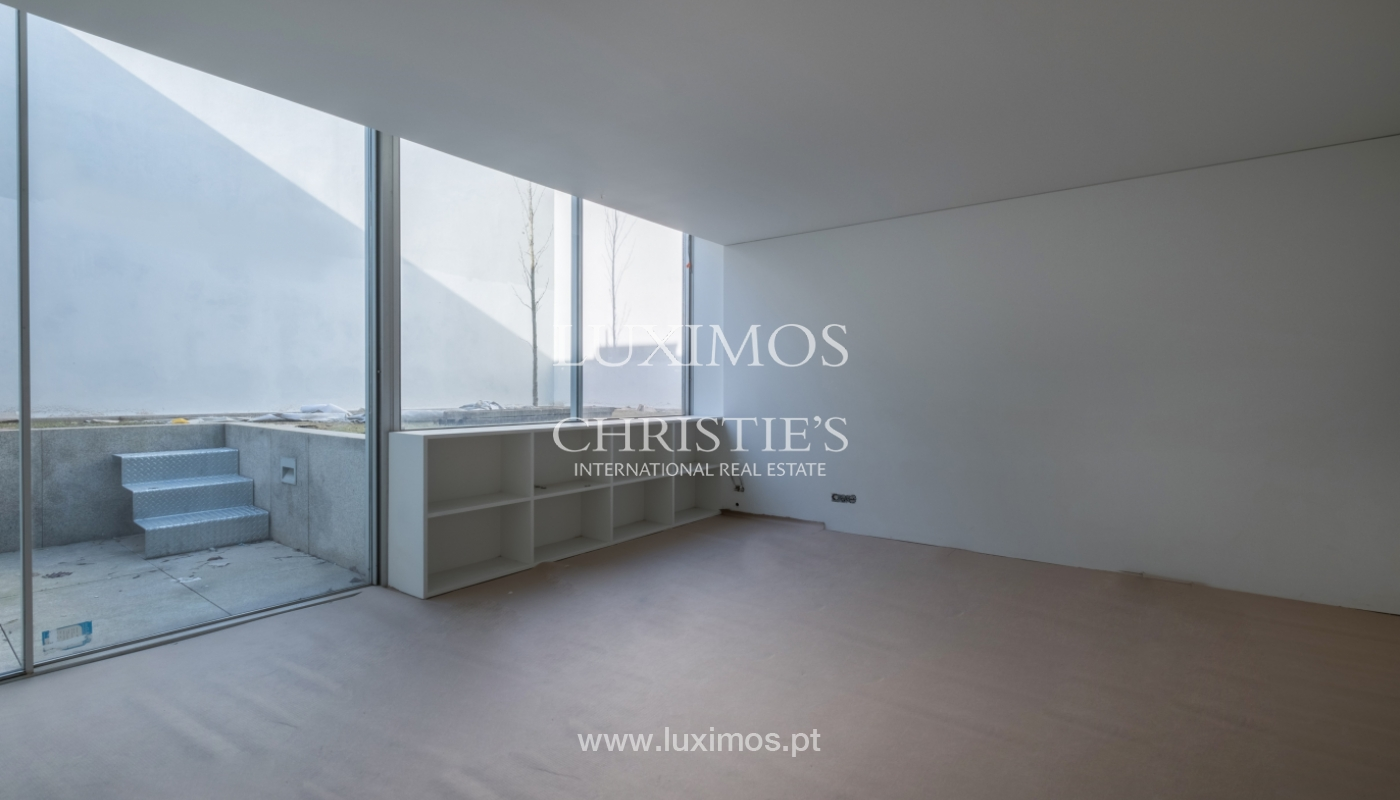 New and modern house in luxury private condominium, Porto, Portugal_132973
