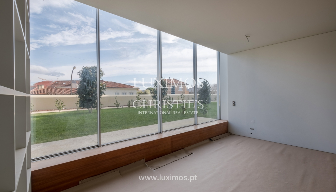New and modern house in luxury private condominium, Porto, Portugal_133387