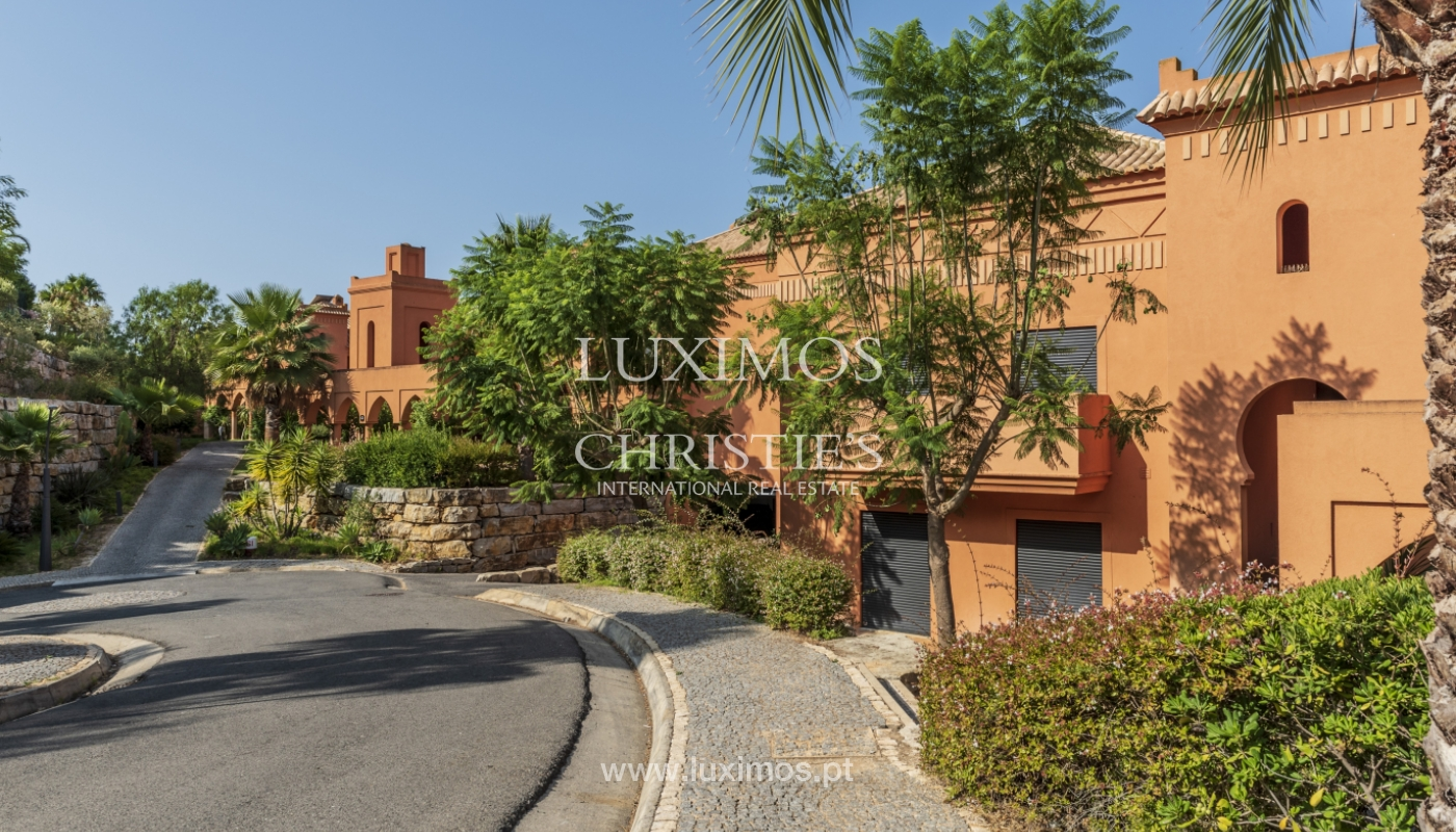 Sale of contemporary apartment in exclusive Golf Resort, Algarve._133610