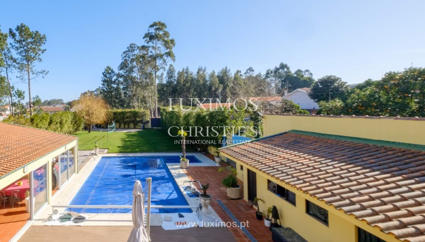 Venda de moradia com piscina e amplo jardim, Espinho_133850