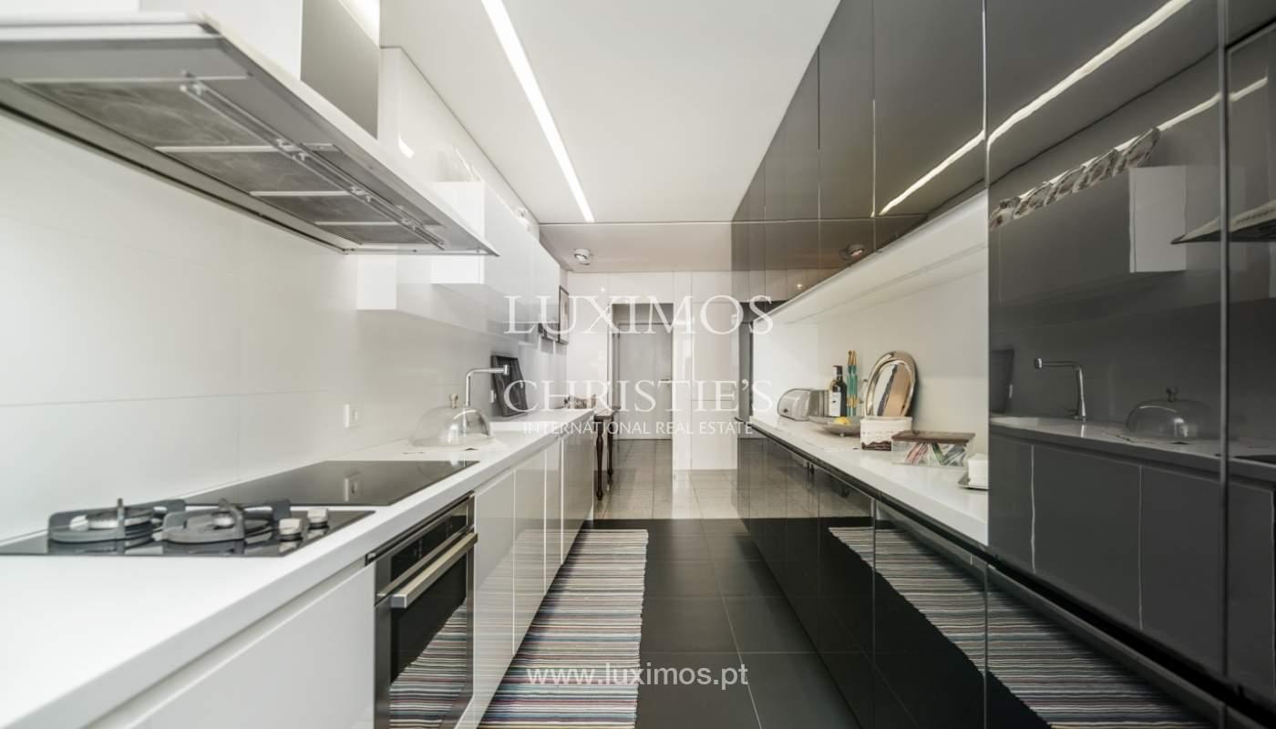 Apartamento de luxo, para venda, com vistas mar, na Foz do Douro_133872