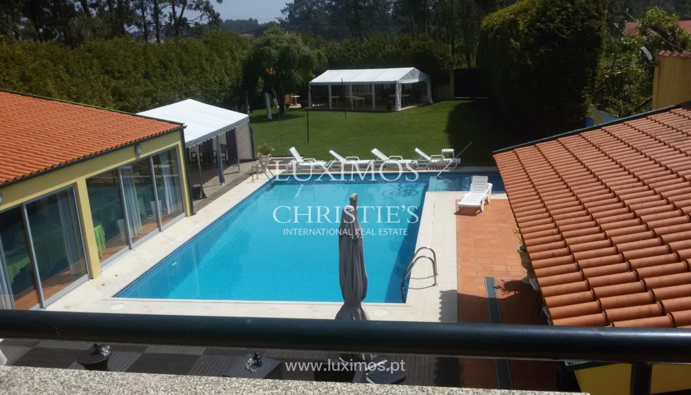 Venda de moradia com piscina e amplo jardim, Espinho_133968