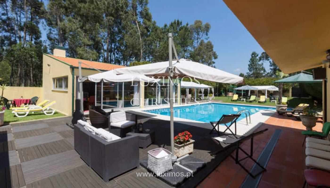 Venda de moradia com piscina e amplo jardim, Espinho_133969